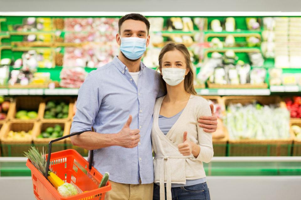 Couple-heureux-au-supermarche-960x640.jpg